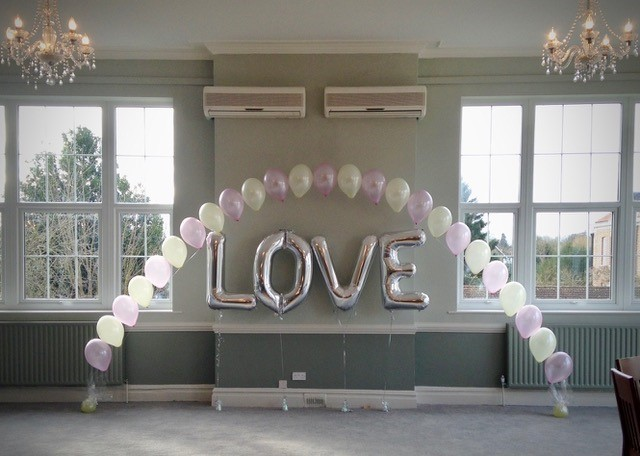 pink and cream arch