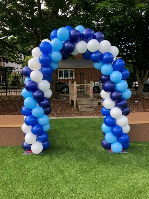 blues and white arch